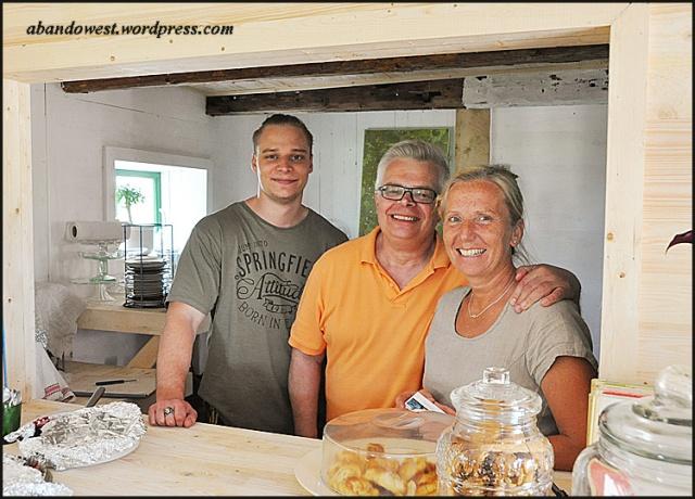 Edward, Sture och Susan vid serveringen - Sik - 2015-07-04